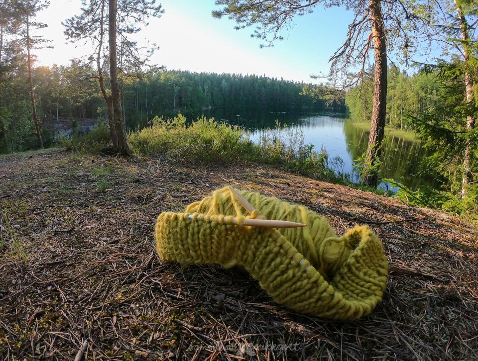 Samoilevat sukkaset_Urja_Nuuksio_neuleretki 2019